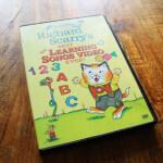 グズった子供がすぐに泣き止む!英語の歌DVD – Richard Scarry の Best Learning Songs Video Ever