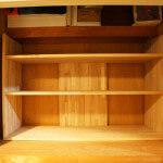 痛恨の設計ミス。アトリエの押し入れに、手作り本棚を、ぶっ込む。