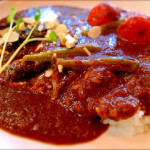 「woof curry」で、カレーランチ。