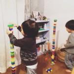 3才双子の不思議なレゴ遊び