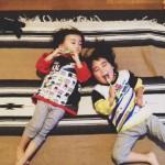 3才双子のハミガキ
