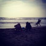 冬の浜辺でのんびり