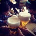 妻と母と双子と昼ビール